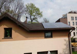Dom jednorodzinny w Katowicach - Dach pokryty gontem bitumicznym