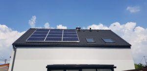 12 paneli o mocy 275 Wp, czyli 3,3 kWp