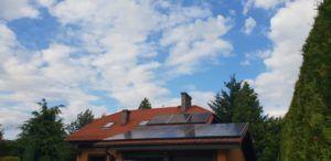 Dom jednorodzinny w Mikołowie - montaż na dachu pokrytym dachówkami ceramicznymi