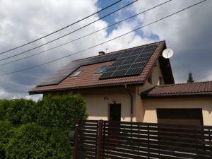 Dom jednorodzinny w Katowicach - montaż na dachu pokrytym dachówkami ceramicznymi