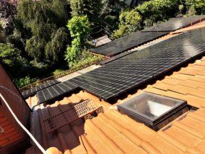 Druga instalacja na dachu domu typu bliźniak